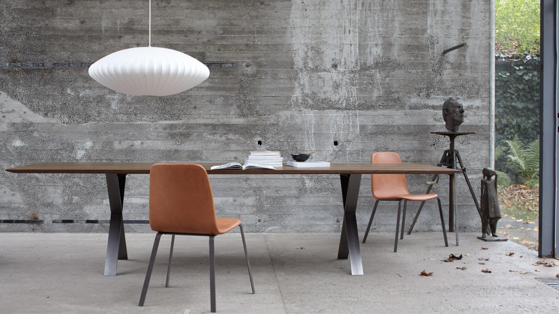 Lax tisch more for Design mobel tisch